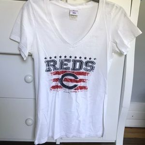 Genuine Merchandise Tops - Cincinnati Reds T-shirt